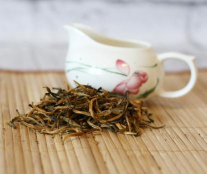 Краный чай  Дянь Хун Да Цзинь Я (Большая золотая почка из Дяньси)